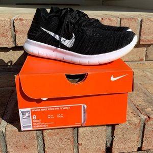 Women's Nike Free Run RN Flyknit size 8